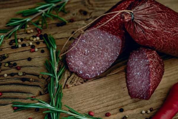Hirschsalami mit 97,2% Rotwildanteil